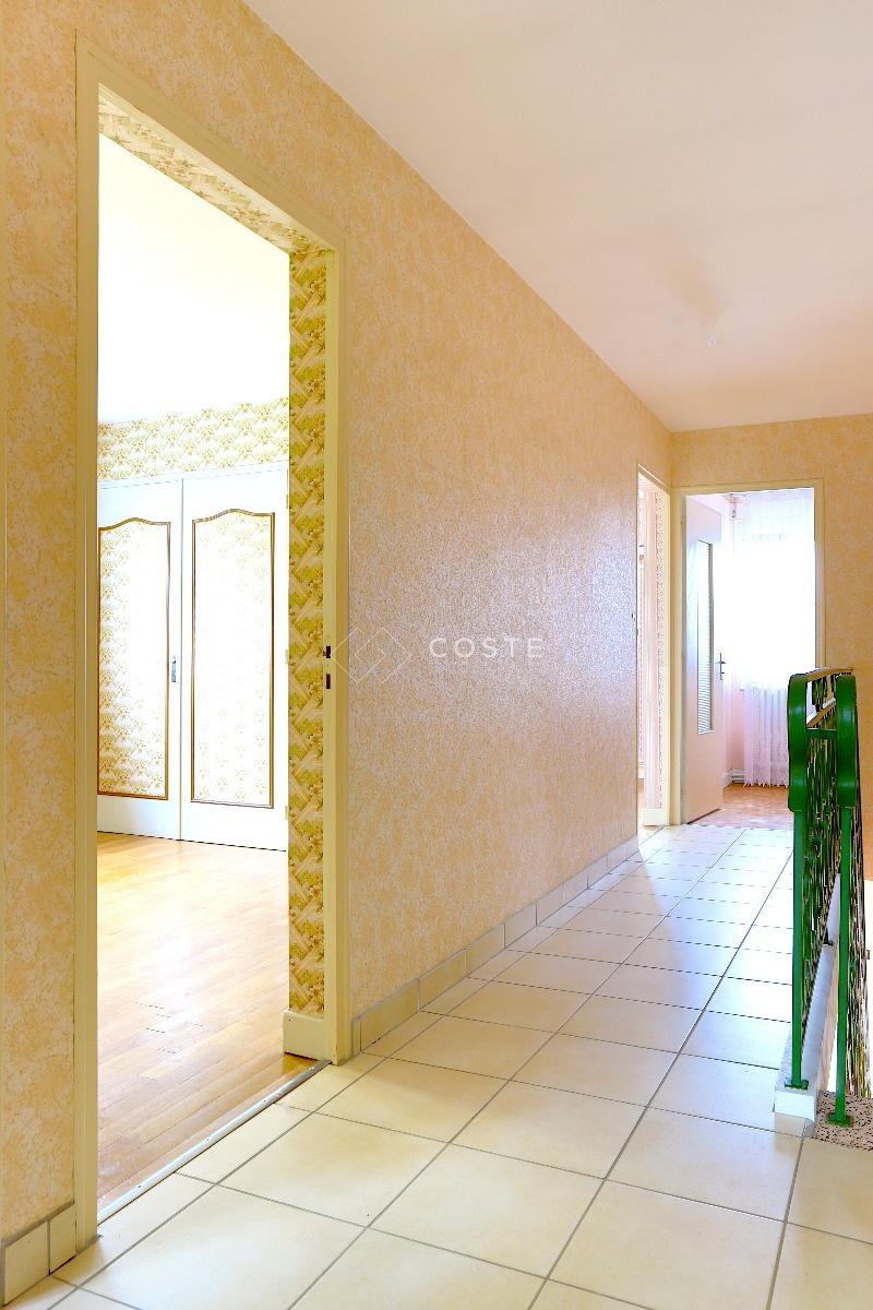 Garage Feytiat en ce qui concerne vente maison à feytiat 6 pièces 125m² 149 500€ sur le partenaire